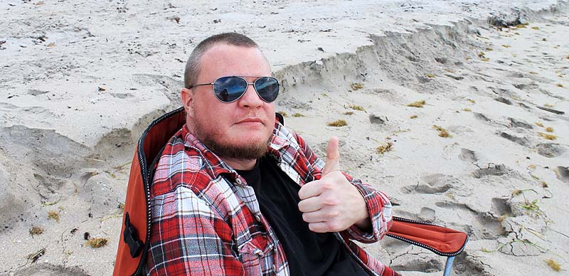 Beach Chair Thumbs up