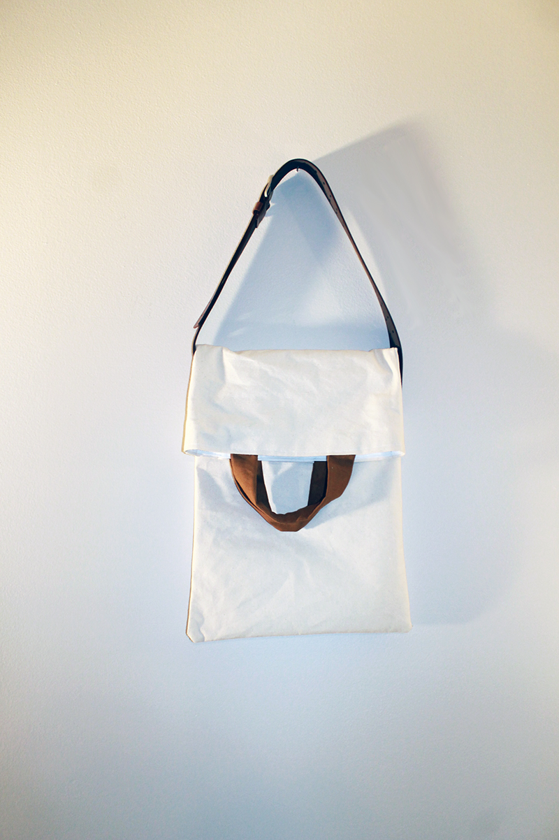 White Canvas Bag hanging wall 800