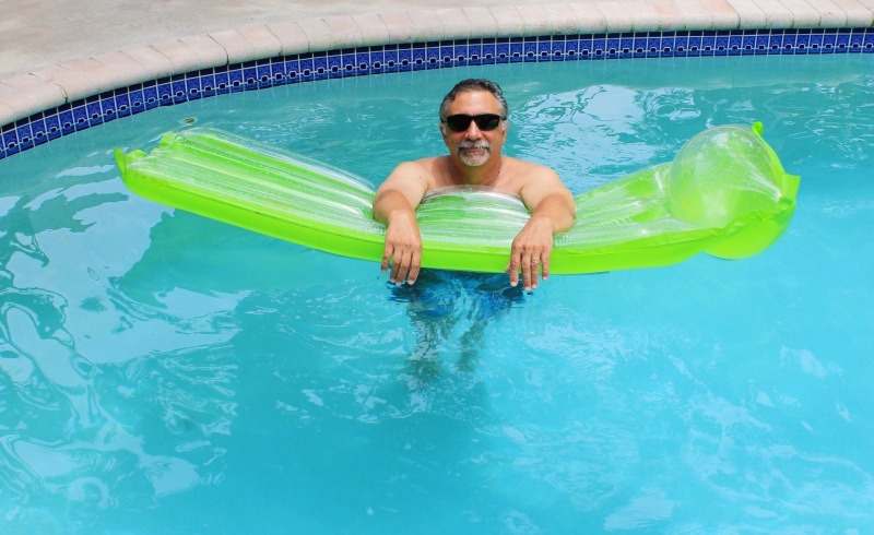 papa in the pool full