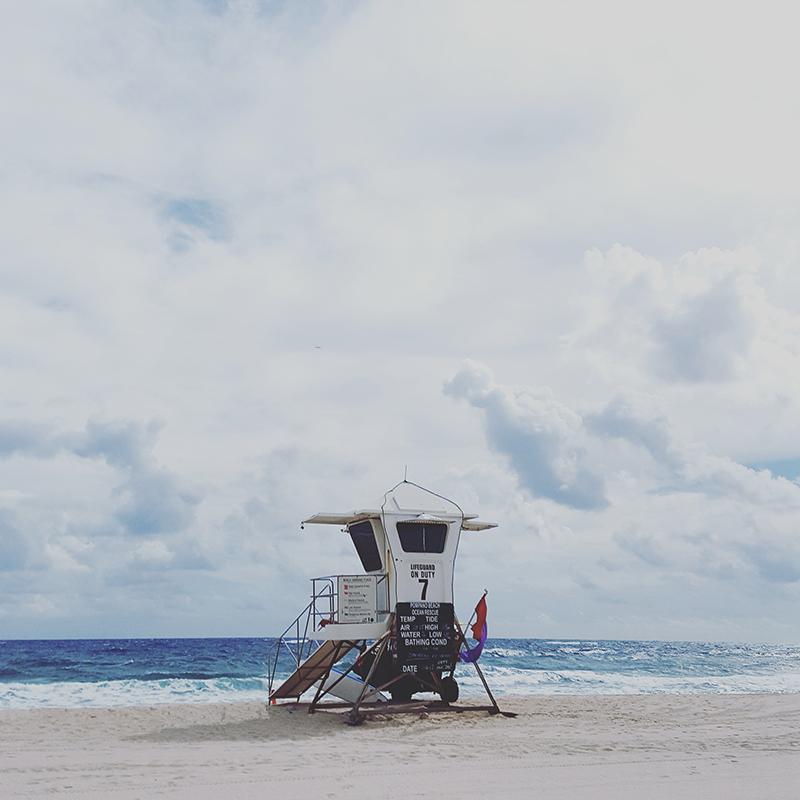 lifeguard-stand